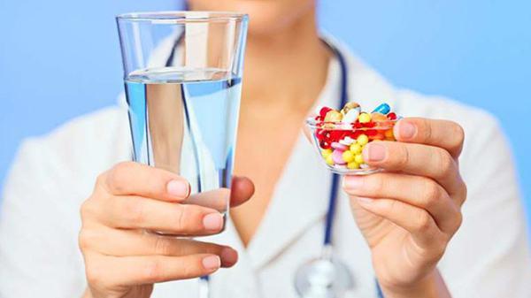 Người bệnh cần tuân thủ theo đúng đơn thuốc chỉ định của bác sĩ sẽ giúp kiểm soát và cải thiện sớm bệnh