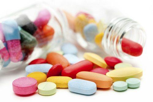Để điều trị vi khuẩn HP hiệu quả người bệnh cần sử dụng đúng thuốc, đủ liều lượng và thời gian chữa trị theo kháng sinh đồ của bác sĩ