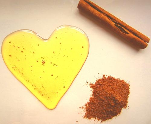 Mật ong và bột quế trong cần được bảo quảntốt