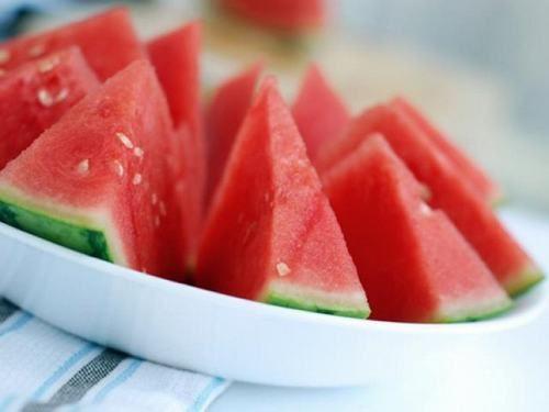 Là một loại quả có khả năng kiểm soát lượng axit bên trong dạ dày, giảm tình trạng dư axit dạ dày.