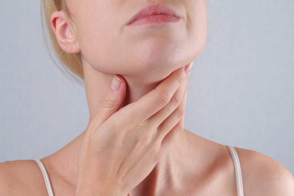 Những người có tiền sử mắc bệnh ở tuyến giáp hoặc có chế độ ăn thiếu i-ốt cần chủ động tầm soát sớm bệnh