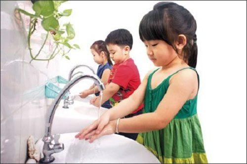Giữ vệ sinh để phòng bệnh tiêu chảy cấp là vấn đề quan trọng hàng đầu trong cách phòng bệnh lây qua đường tiêu hóa.