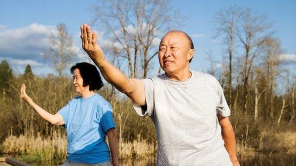 Luyện tập thói quen vận động hàng ngày cũng là cách phòng bệnh lao phổi hiệu quả