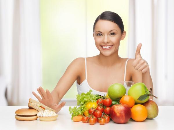 Ngoài ra cần có chế độ ăn uống khoa học, đầy đủ vitamin và khoáng chất