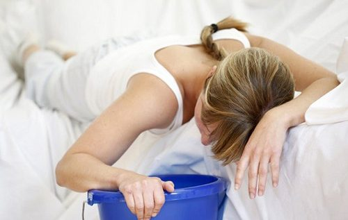 Ngộ độc thực phẩm có hai dạng là ngộ độc thực phẩm cấp tính và ngộ độc thực phẩm mạn tính.