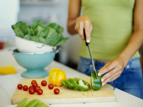 Đảm bảo vệ sinh an toàn thực phẩm là cách phòng trống ngộ độc thực phẩm tốt nhất.