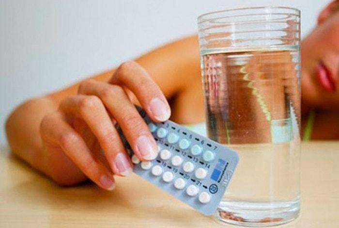 Cách làm chậm kinh nguyệt 1 tuần bằng thuốc tránh thai