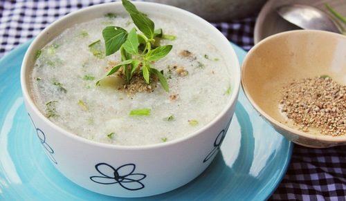 Sau khi nội soi dạ dày, người bệnh cần ăn những thực phẩm mềm, lỏng, nguội