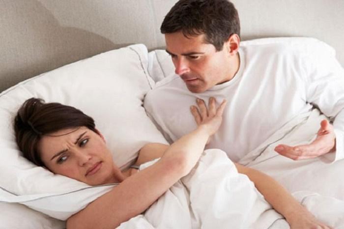 Mẹ cần kiêng quan hệ tình dục trong ít nhất 1 tháng sau khi rạch tầng sinh môn để vết thương lành lại.
