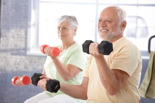 Vận động nhẹ nhàng hàng ngày cũng giúp cải thiện dần tình trạng bệnh