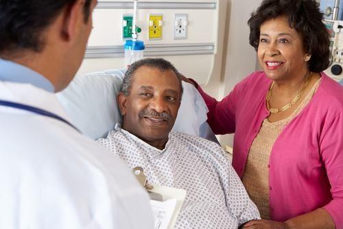 Người bệnh cần nghỉ ngơi, tránh hoạt động mạnh mà ảnh hưởng tới vết mổ