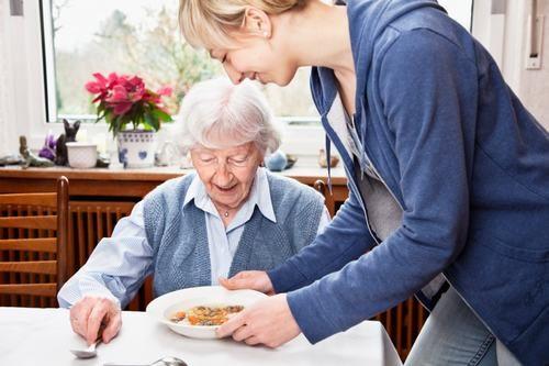Sau mổ dạ dày người bệnh cần chú ý tới chế độ ăn uống, nghỉ ngơi phù hợp