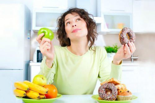 Người bị chảy máu hậu môn nên chú ý đến chế độ ăn uống nhằm hỗ trợ cho việc chữa trị bệnh đạt hiệu quả cao hơn