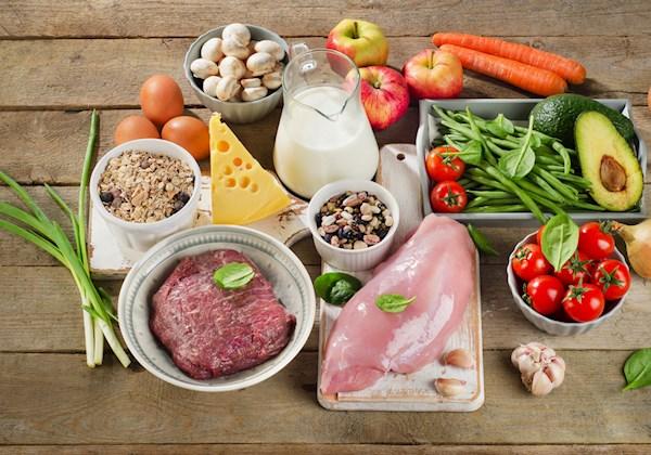 Chế độ ăn cho người viêm gan B cần cân bằng các chất dinh dưỡng