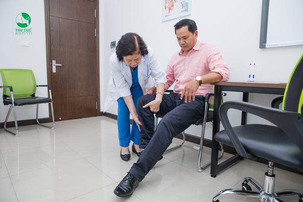 Người bệnh nên đi khám để bác sĩ chỉ định phương pháp điều trị phù hợp, hiệu quả cao