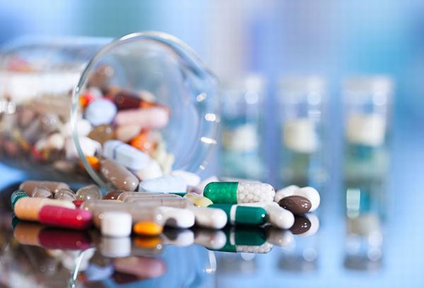Người bệnh cần dùng thuốc theo đúng chỉ định của bác sĩ để cải thiện sớm sức khỏe