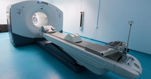 Kỹ thuật chụp PET/CT sử dụng hạt phát positron để định vị chính xác khối u, phát hiện tổn thương nguyên phát của ung thư, thậm chí có thể phát hiện ra các tế bào bất thường hay những khối u tương lai sẽ thành ung thư