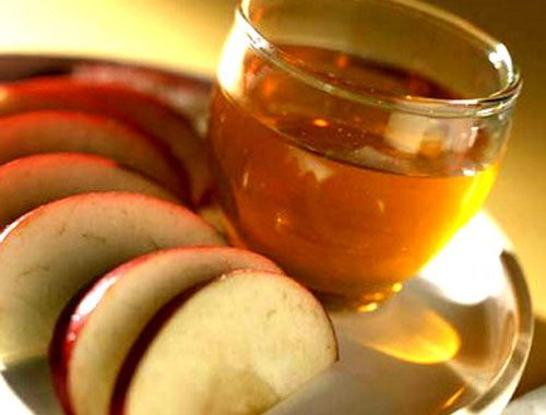 Dấm táo rất tốt cho những người bị khó tiêu kéo dài