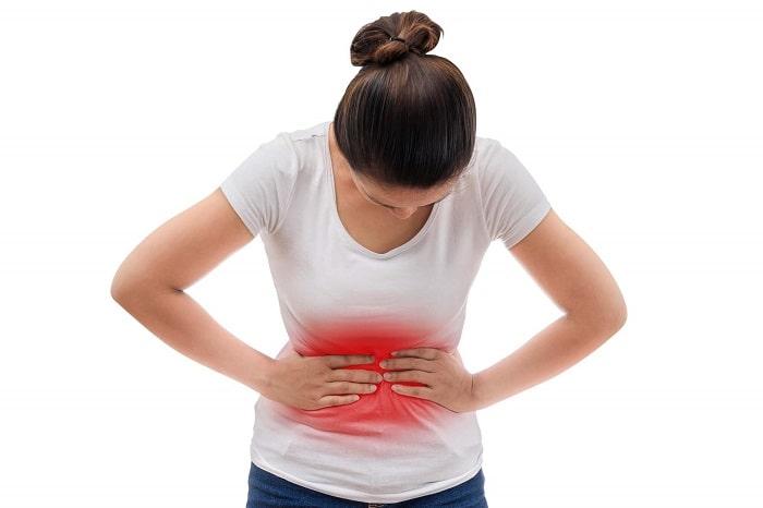 Đau bụng dữ dội có thể là triệu chứng của u nang buồng trứng xoắn