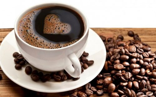 Người bệnh bị đau bụng không nên uống cà phê