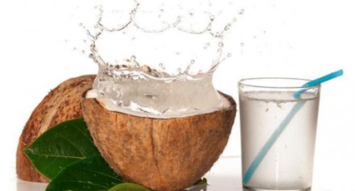 Nước dừa là một loại nước chứa nhiều chất khoáng và các loại vitamin rất tốt cho cơ thể.
