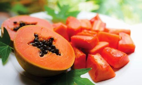 Bạn có thể ăn đu đủ chín cũng có tác dụng cải thiện tình trạng đau dạ dày