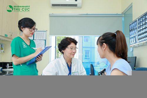 Người bệnh cần đi khám để được chẩn đoán chính xác tình trạng sức khỏe, từ đó có biện pháp điều trị phù hợp