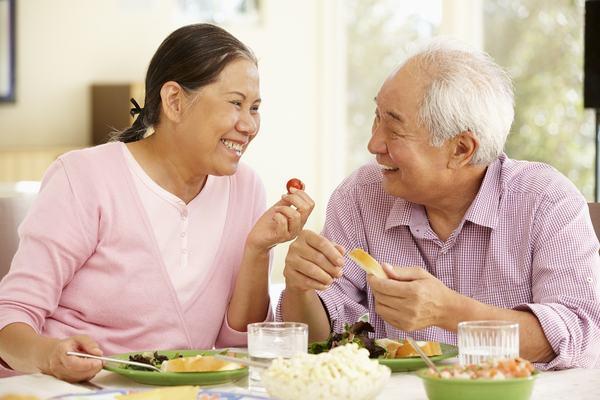 Người bệnh cần bổ sung đầy đủ dinh dưỡng trong chế độ ăn hàng ngày để cải thiện sớm sức khỏe