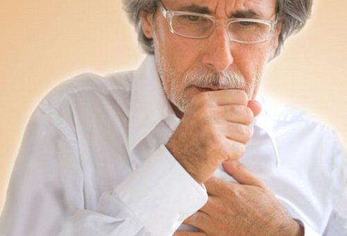 Người bệnh ung thư thực quản còn có dấu hiệu ho kéo dài, sụt cân không lý do