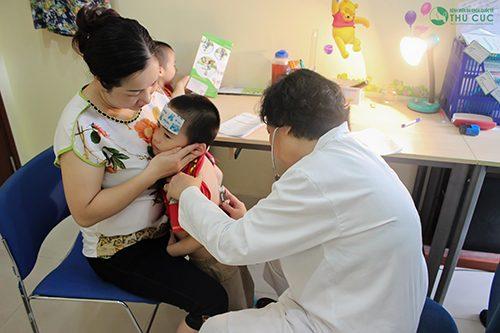 Nên đưa trẻ đi khám khi có các biểu hiện bệnh đường ruột ở trẻ