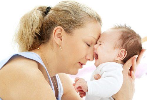 Trẻ bị rối loạn tiêu hóa thường quấy khóc nhiều.