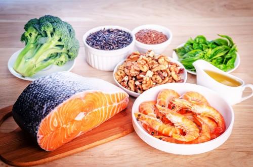 Người đau lưng ở đốt sống cuối nên bổ sung các thực phẩm giàu canxi