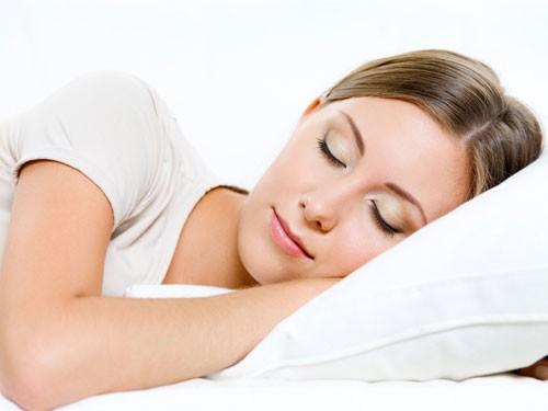 Nằm nghỉ trong vài phút cũng có tác dụng giảm đau lưng
