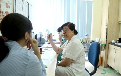 Khi có bất thường về cơn đau lưng kỳ kinh nguyệt người bệnh nên đến bệnh viện để được bác sĩ chuyên khoa thăm khám và tư vấn điều trị.