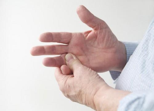 Nguyên nhân đau mỏi khớp ngón tay
