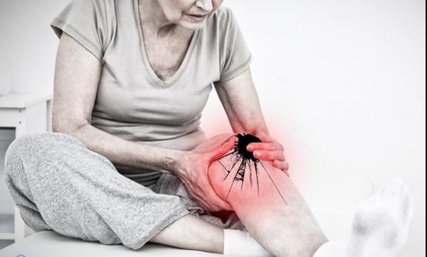 Tuổi càng cao khả năng mắc các bệnh xương khớp càng lớn gây đau nhức dai dẳng