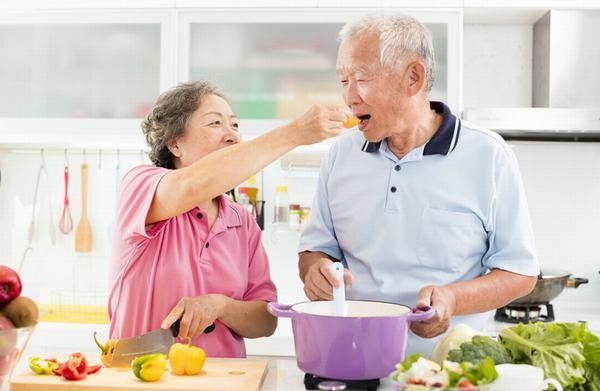 Tăng cường thực phẩm giàu canxi trong chế độ ăn hàng ngày để phòng đau nhức xương khớp