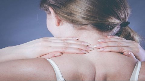 Nguyên nhân đau nửa đầu đau mỏi vai gáy và cách điều trị