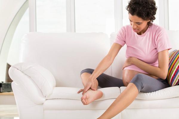 Có nhiều yếu tố gây đau xương chậu khi mang thai