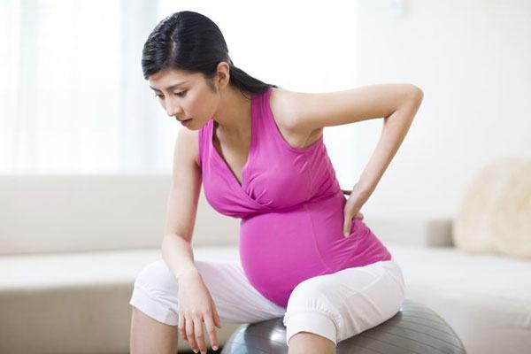 Đau xương chậu có thể gặp ở những tháng cuối thai kỳ