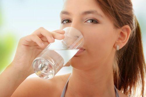 Uống nhiều nước lọc sẽ giúp các cơ quan trong đó có hệ tiêu hóa hoạt động tốt hơn