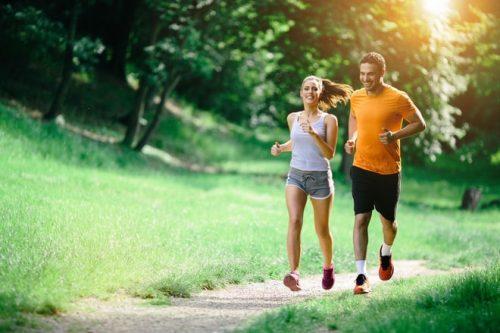 Duy trì thói quen tập luyện thể dục thể thao hàng ngày là cách chữa chứng đầy hơi ợ chua hiệu quả