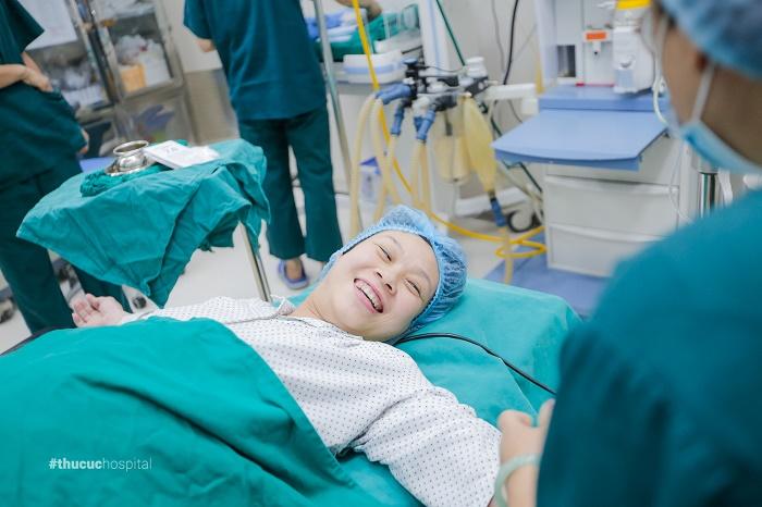Đẻ mổ kết hợp cắt bỏ U nang buồng trứng: Hành trình sinh con sau 13 năm