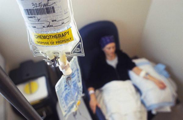 Hóa trị là một trong những phương pháp thường được sử dụng trong điều trị u thực quản ác tính