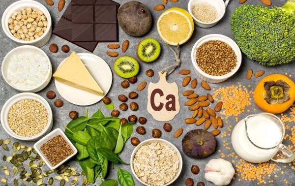 Thực phẩm giàu canxi, axit béo omega 3... rất tốt cho người bệnh xương khớp
