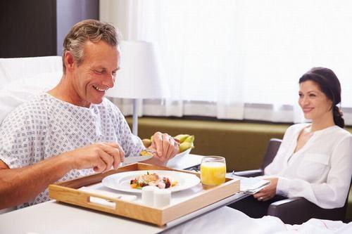 Dinh dưỡng cho người bệnh ung thư thực quản đóng vai trò vô cùng quan trọng, giúp hồi phục nhanh sức khỏe