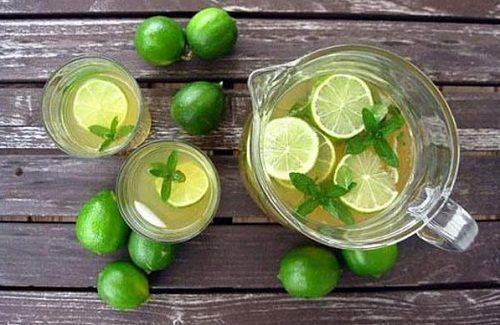 7 loại đồ uống bà bầu nên dùng để giảm chứng buồn nôn