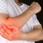 Đừng coi thường cơn đau khớp khuỷu tay