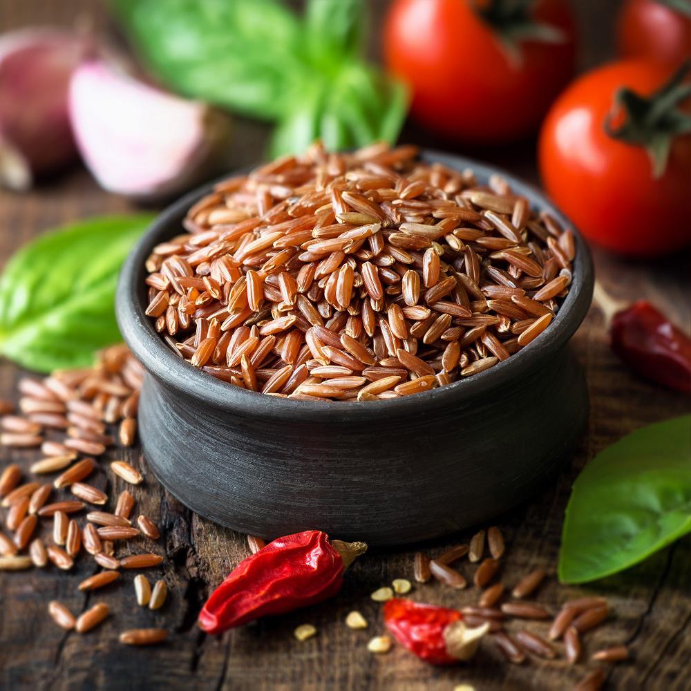 Gạo lứt đỏ chứa nhiều thành phần dưỡng chất tốt cho bà bầu mắc tiểu đường thai kỳ