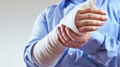 Giúp bạn xử lý nhanh chóng khi bị gãy xương cánh tay